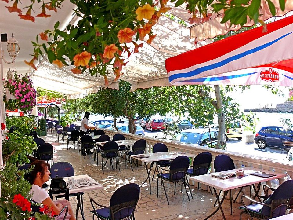 012 Lux restoran