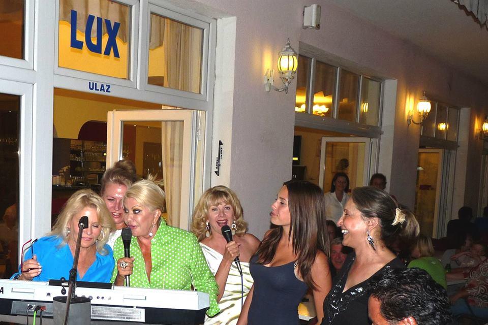 022 Lux restoran