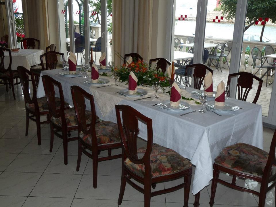 02 Lux restoran